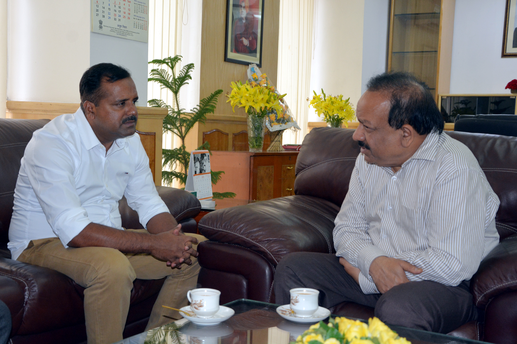The Minister for Health and Family Welfare, Karnataka, Shri U.T. Khader called on the Union Minister for Health and Family Welfare, Dr. Harsh Vardhan at New Delhi today.