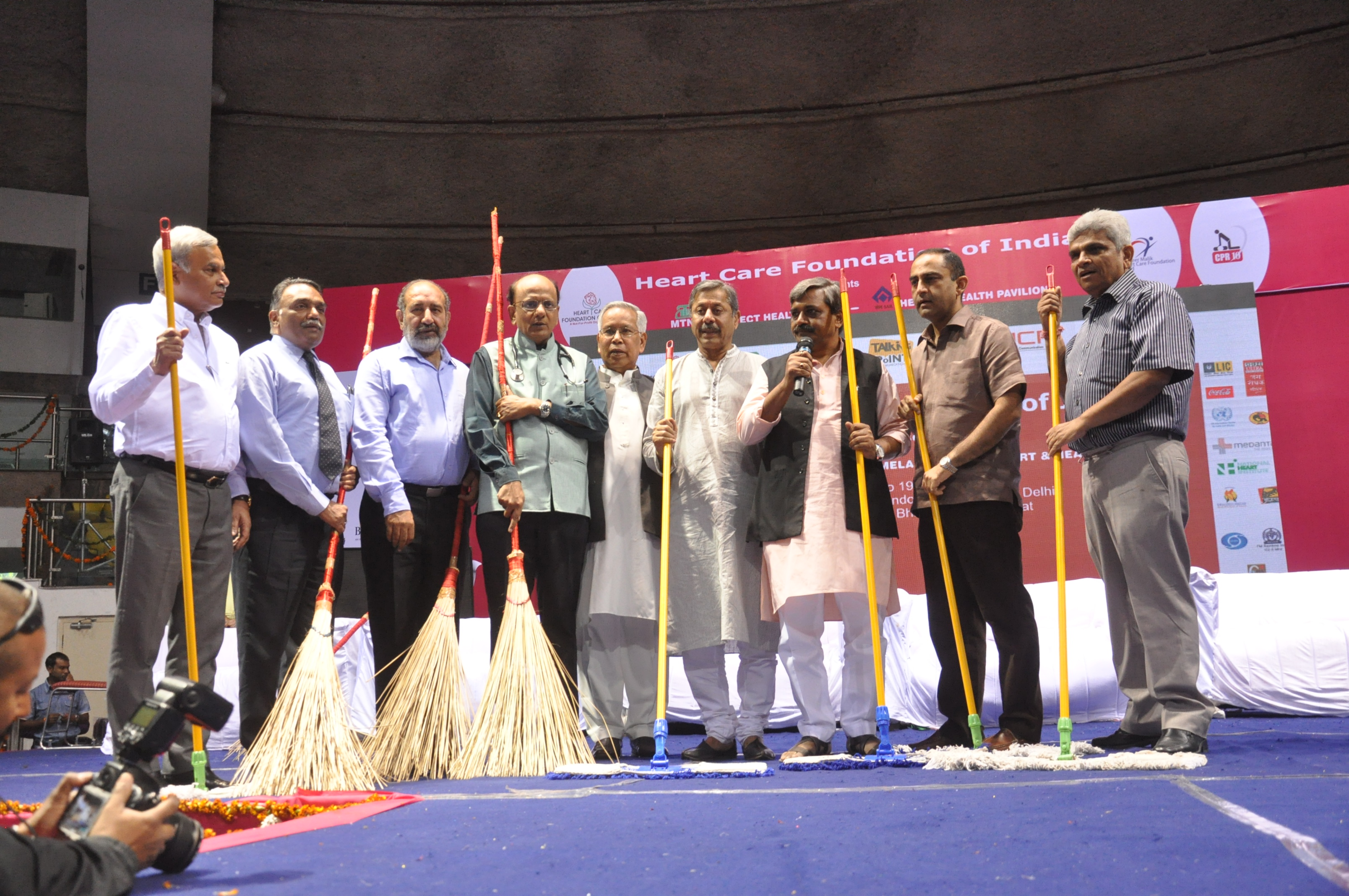 L-R Dr.Naveen Dang, Dr. D.K Deewan, Dr. Girish Tyagi, Dr. KK Aggarwal,Mr.Thokchom Meinya, Dr. Naresh Trehan, Mr. Satish Upadhyay,Dr.Anupam Sibbal and Dr. Dr.P.K. Sharma