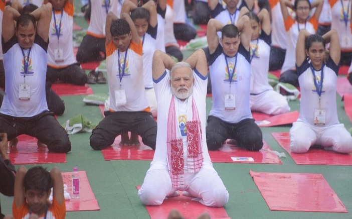 Meditoall-international-yoga-day-pm-modi-lucknow